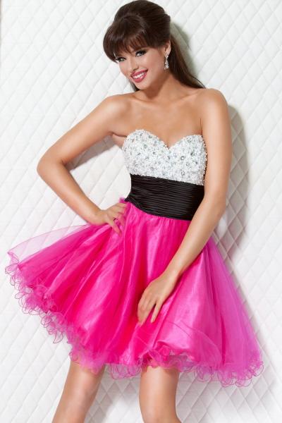 Short pink prom dress.