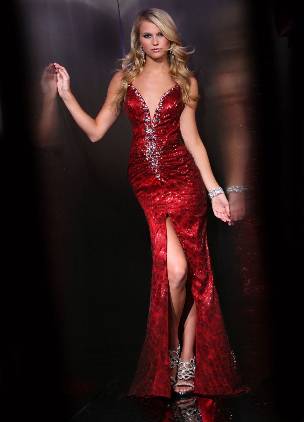 The Extreme red dress 32344
